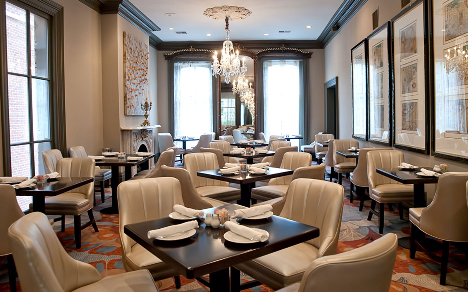 Elegant Washington DC Restaurant MorrisonClark Inn - Table restaurant dc