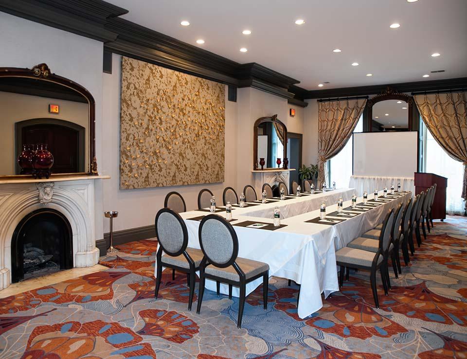 Club Room at Morrison-Clark Historic Inn & Restaurant